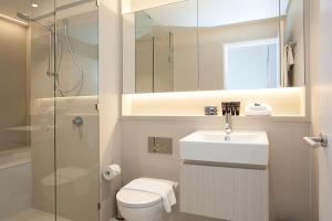 A bathroom at HAYMARKET HEIGHTS - Hosted by L'Abode Accommodation