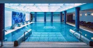 The swimming pool at or near Hotel Blancafort Spa Termal