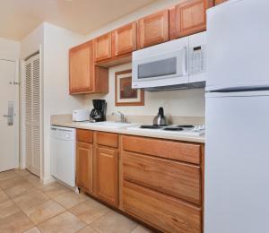 A kitchen or kitchenette at Club Wyndham Grand Lake