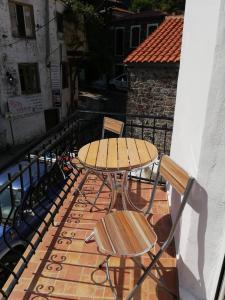 Un balcon sau o terasă la Vasilis House