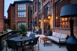 A restaurant or other place to eat at Foundry Hotel Asheville, Curio Collection By Hilton