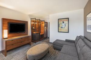 A seating area at Four Points by Sheraton Los Angeles Westside