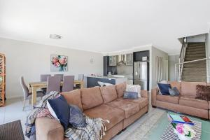A seating area at Cypress Townhouse 17 - Mulwala