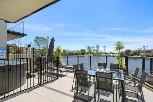 A balcony or terrace at Cypress Townhouse 17 - Mulwala