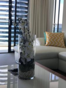 A seating area at Luxury 2 Bedroom in heart of Broadbeach