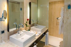 Ett badrum på Nixe Palace
