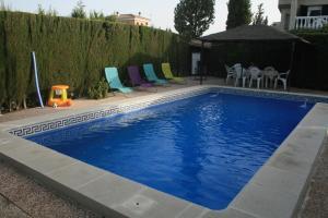 The swimming pool at or near Planta Baja Independiente en chalet duplex