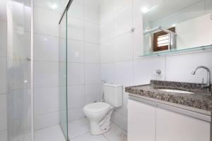 A bathroom at Porto Seguro Flat