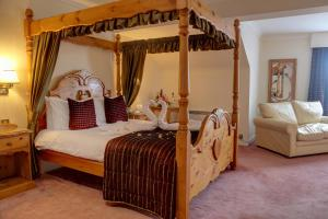 A bed or beds in a room at Best Western Plus Bentley Hotel, Leisure Club & Spa