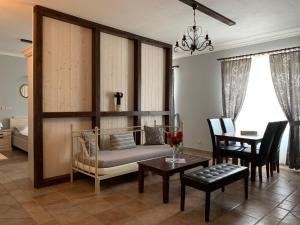 A seating area at Pension Amadeus & Apartments
