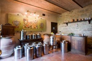 A kitchen or kitchenette at Villa Campestri Olive Oil Resort