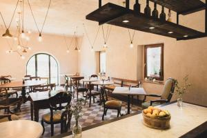A restaurant or other place to eat at Agriturismo I Pini