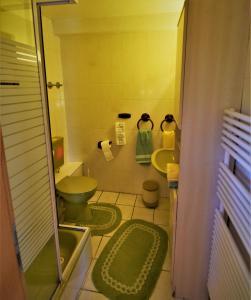 Ein Badezimmer in der Unterkunft Ferienhaus Reher
