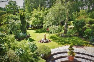 Ein Garten an der Unterkunft Ferienhaus Reher