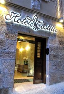 The facade or entrance of Hotel Castillo