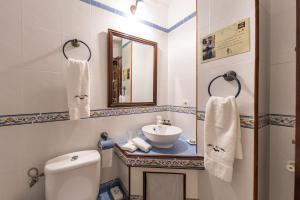 Un baño de Eco luxury Hotel Masía la Mota