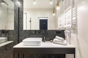 A bathroom at Homewell Boutique Apartments