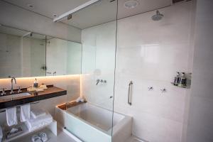 A bathroom at Casa de Uco Vineyards and Wine Resort
