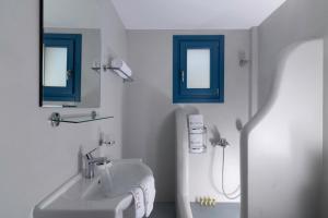 Ένα μπάνιο στο Evgenia Residences