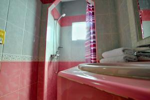 A bathroom at Casa Arletty Santa Marta