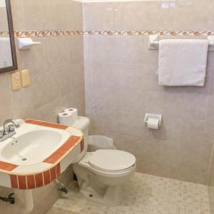 A bathroom at Departamento a una cuadra de la playa
