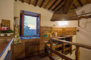 Cucina o angolo cottura di Castello Di Proceno Albergo Diffuso In Dimora D'Epoca
