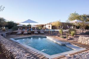 A piscina localizada em Hotel Cumbres San Pedro de Atacama ou nos arredores