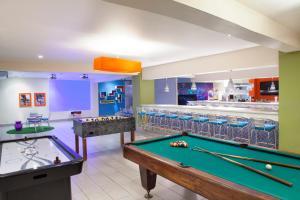 Mesa de billar en Fiesta Resort All Inclusive Central Pacific - Costa Rica