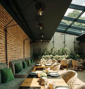Ресторант или друго място за хранене в Реверанс Бутик Хотел