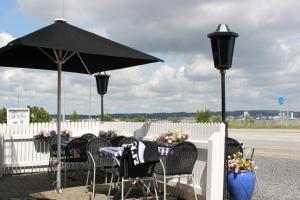 A restaurant or other place to eat at Sølyst Kro- Restaurant og Hotel I/S