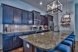 A kitchen or kitchenette at Rodgers Beach Retreat