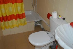 A bathroom at Guest house on Partizanskaya 7