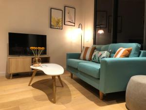 A seating area at Beaumont Kew Apartments