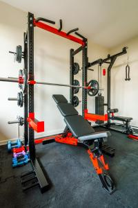 The fitness center and/or fitness facilities at Apartamenty 49