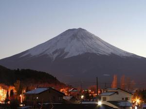 ホテルから撮影された、または一般的な山の景色