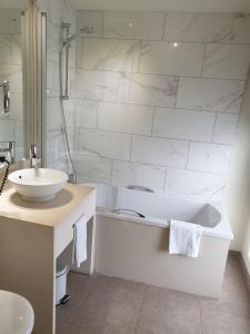 A bathroom at Hotel Jan Brito - Small Elegant Hotels