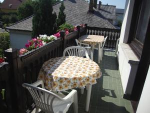 A balcony or terrace at Tulipán Vendégház
