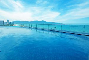Hồ bơi trong/gần Muong Thanh Luxury Da Nang Hotel