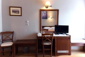 Μια τηλεόραση ή/και κέντρο ψυχαγωγίας στο Ξενοδοχείο Αχίλλειον