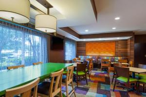 A restaurant or other place to eat at Best Western LSU/Medical Corridor Inn & Suites