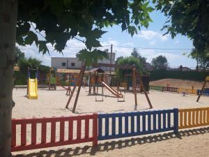 Zona de juegos infantil en CASA RURAL LA CIJA