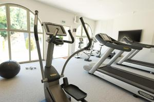 The fitness center and/or fitness facilities at Le Couvent des Minimes Hotel & Spa L'OCCITANE