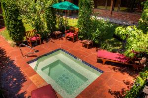 A view of the pool at Hearthstone House Aspen or nearby
