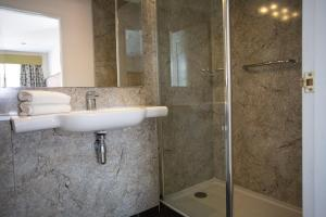 A bathroom at Links Country Park Hotel