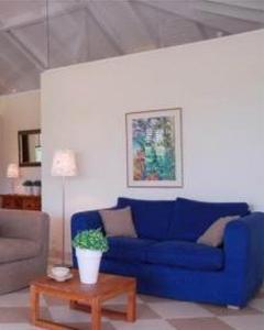 Uma área de estar em Blue Bay village villa 11