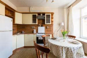 """Кухня или мини-кухня в Квартира """"1912"""" на Малой Пушкарской"""