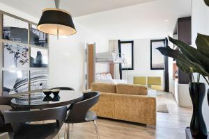 Area soggiorno di Hotel Barcelona Condal Mar Affiliated by Meliá