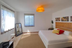 A bed or beds in a room at epicenter PICO