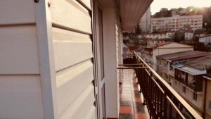 Балкон или терраса в Khlebozavodskoy Rooms