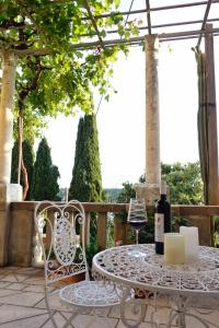 A restaurant or other place to eat at Villa Matilda